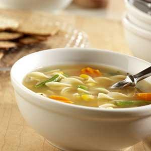 طرز تهیه سوپ مرغ و رشته فرنگی